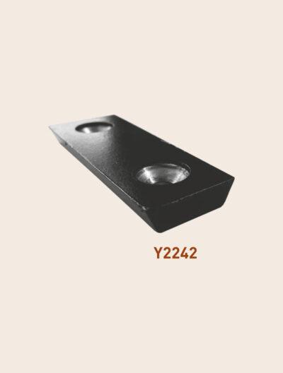 Y2242